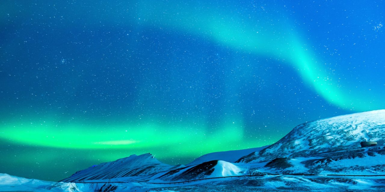 https://eyecom-travel.com/wp-content/uploads/2018/09/aurora-1190254_1920-1280x640.jpg